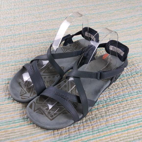 55c21fe4aba8b Merrell 7 Slate Gray Blue Leather Casual Sandals. M 5c3a7b692beb7998c671e246